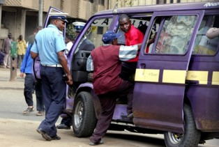 kenya-traffic-police_0